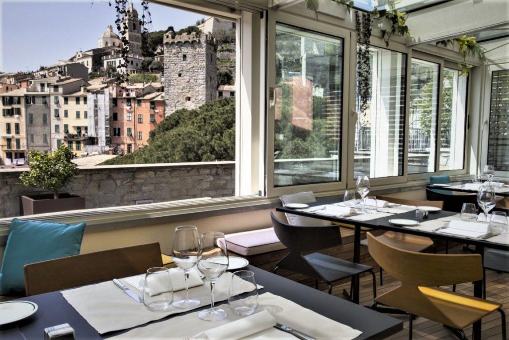 Extraordinary 5 star restyling in liguria in the cinque for Design hotel liguria